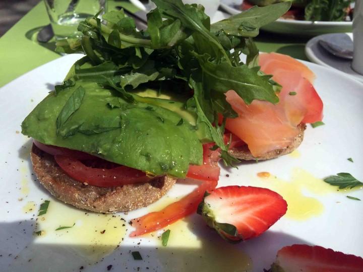 healthy_breakfast_antipodes_berlin_germany