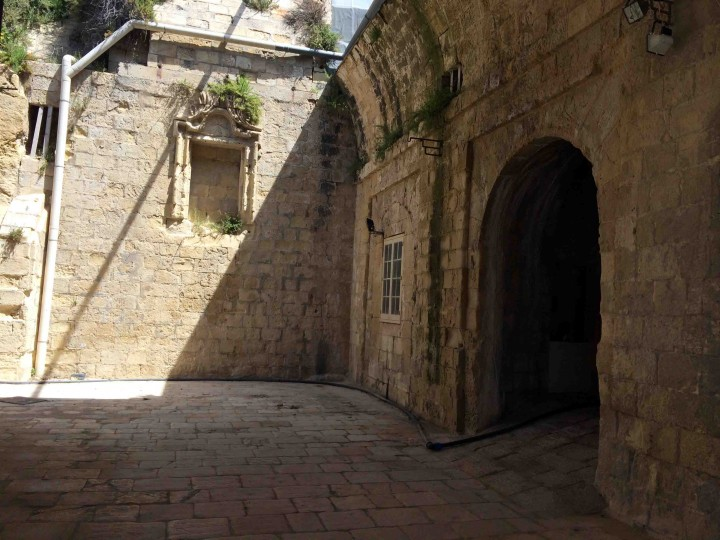 inside_st_angelo_fort_birgu_malta