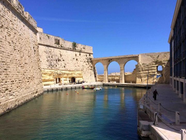 moat_fort_st_angelo_birgu_malta