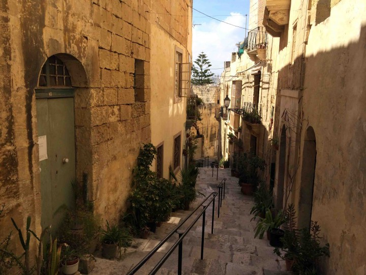 narrow_streets_birgu_malta