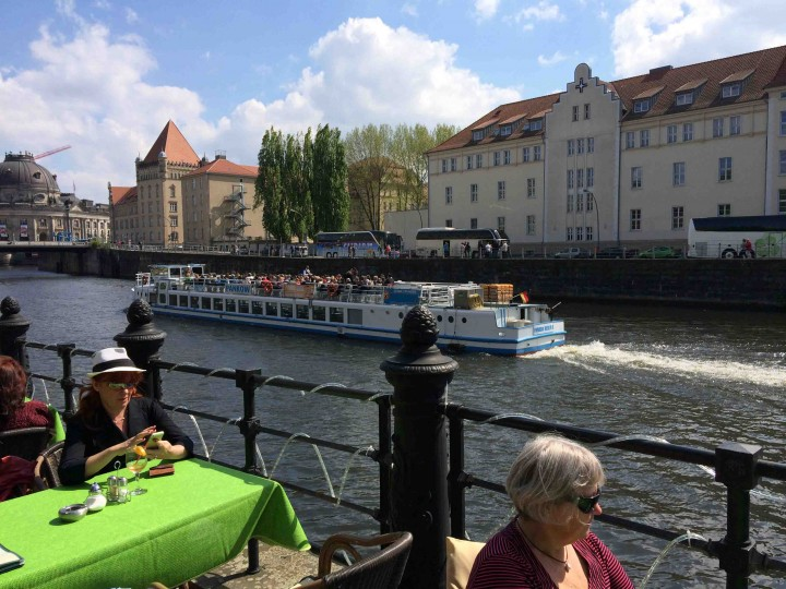 river_cruises_berlin_germany