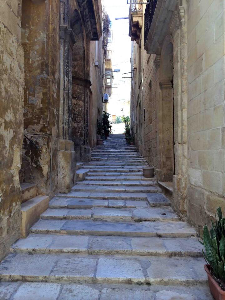 side_streets_birgu_malta