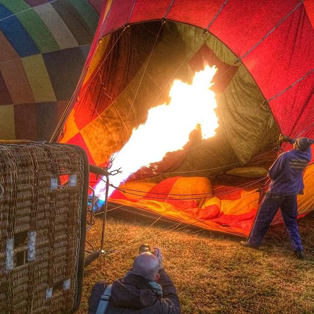 hot_air_balloon_magaliesburg_firing_up