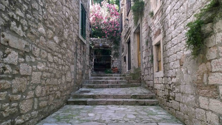 alley_sibenik_croatia