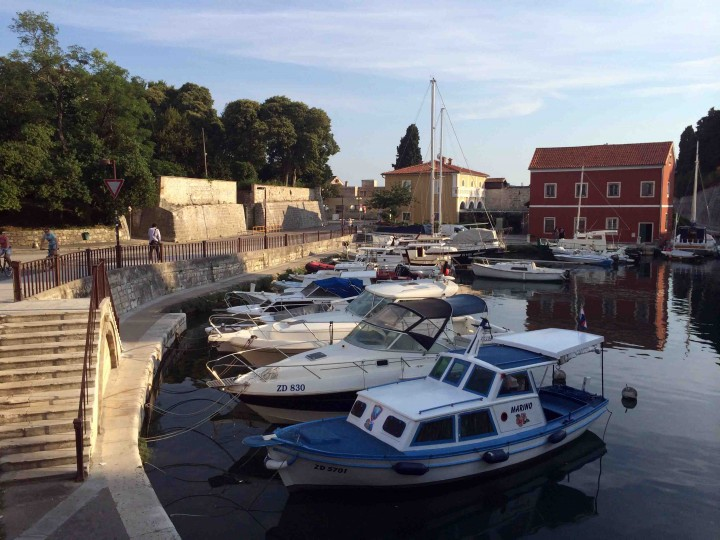 boats_in_harbour_zadar_croatia