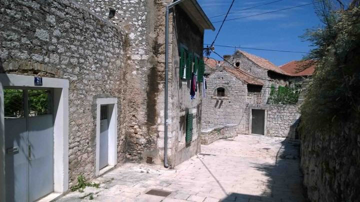 downtown_streets_sibenik_croatia