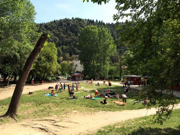 locals_touris_relaxing_krka_national_park_croatia