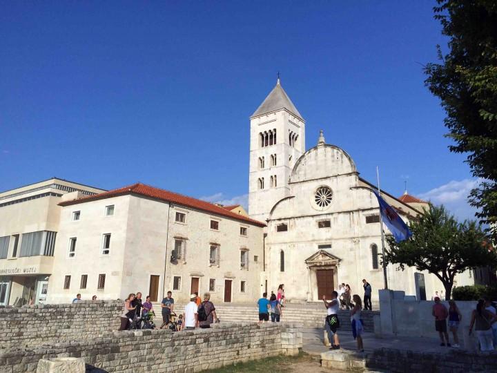 roman_ruins_downtown_zadar_croatia