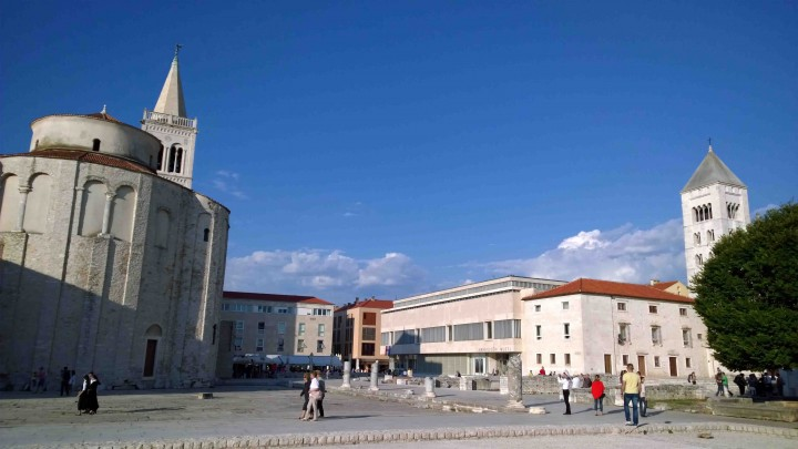 ruins_in_downtown_zadar_croatia