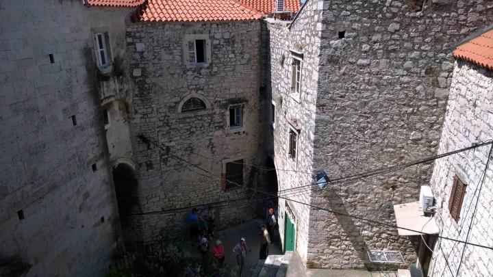 stone_walls_sibenik_croatia