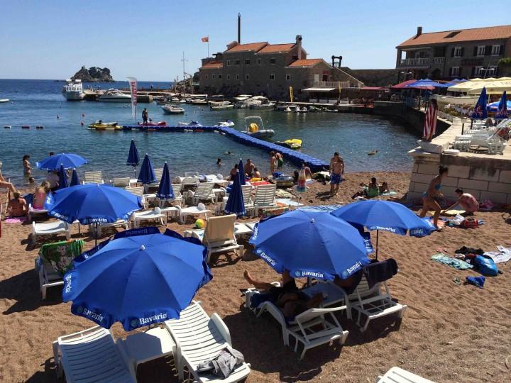 beach_life_petrovac_montenegro