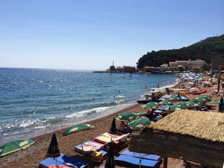 busy_beach_petrovac_montenegro