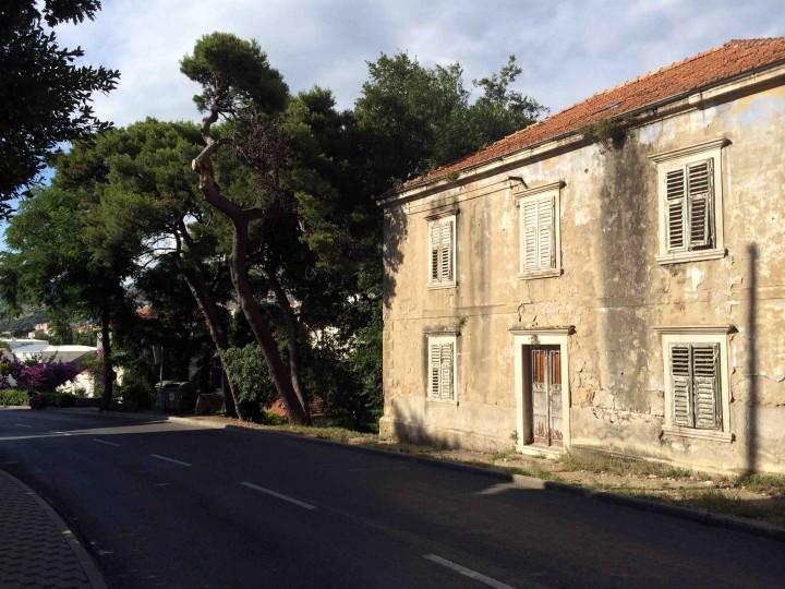 century_old_buildings_dubrovnik_croatia