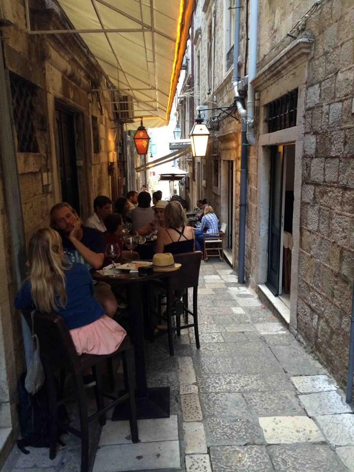 drinks_dvino_wine_bar_old_city_dubrovnik_croatia