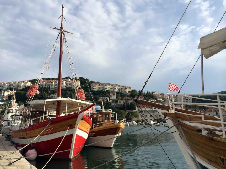 island_exploration_boats_gruz_dubrovnik_croatia