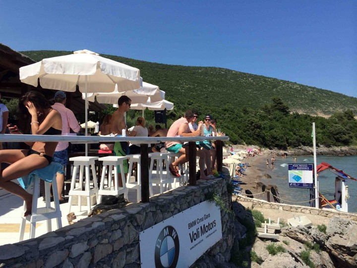 patio_almara_beach_club_lustica_bay