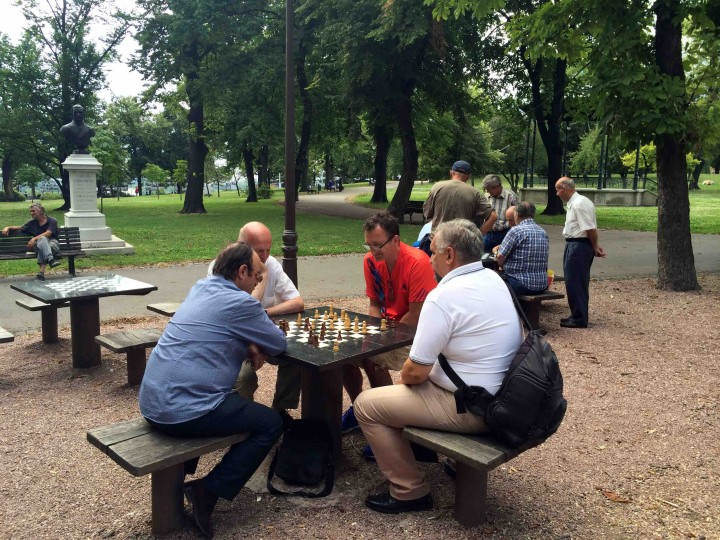 playing_chess_belgrade_serbia