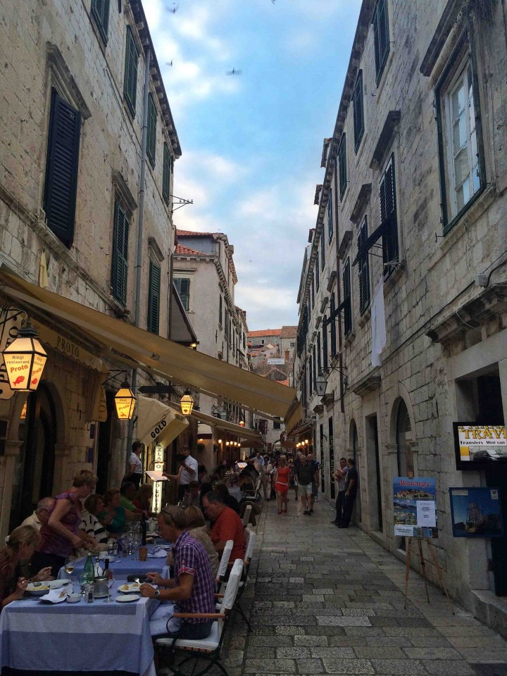 side_street_old_city_dubrovnik_croatia