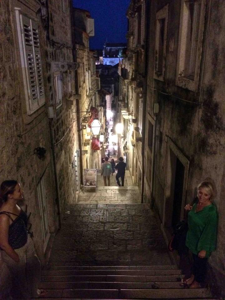 small_side_streets_dubrovnik_croatia