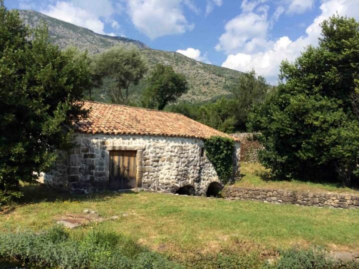 stone_home_konavle_croatia