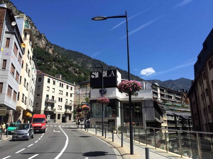 bending_streets_andorra_le_vella