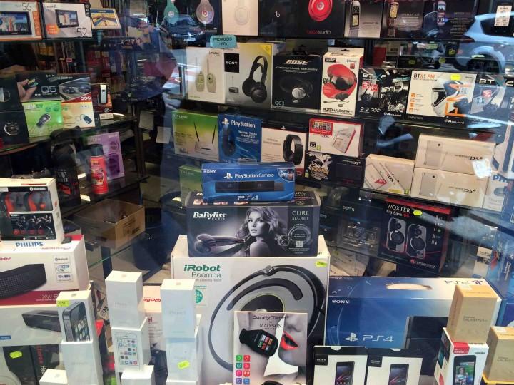 electronics_shopping_andorra_le_vella