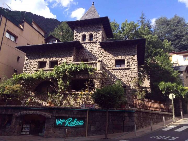 stone_house_andorra_le_vella