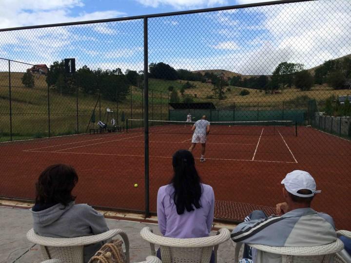 watching_tennis_zlatibor_serbia