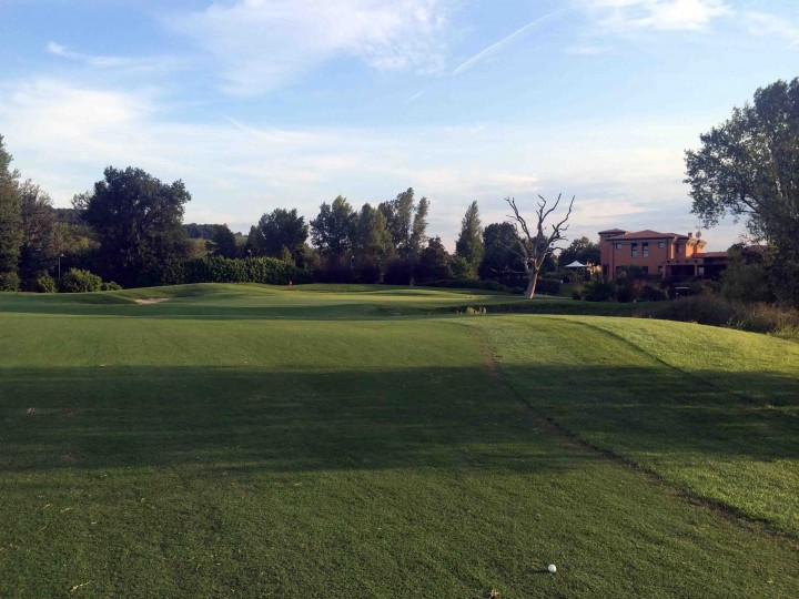 18th_dusk_golf_club_le_fonti_bologna_italy