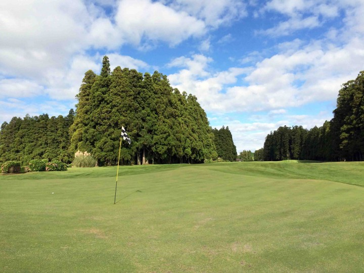 1st_green_furnas_golf_course