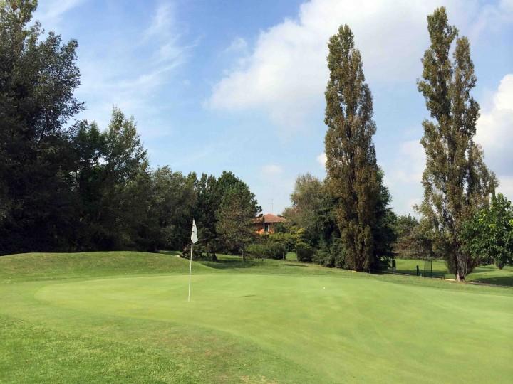 back_9_green_golf_club_bologna