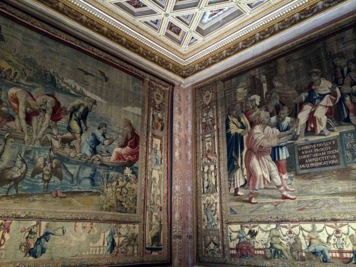 beautiful_tapestries_ducal_palazzo_mantua_italy