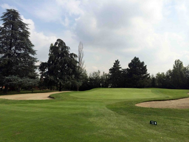 bunkers_protecting_greens_golf_club_bologna