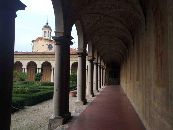 courtyard_ducal_palazzo_mantua_italy