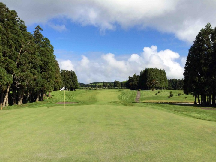 dark_green_fairways_furnas_golf_course