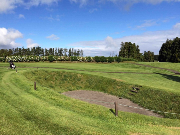 deep_bunker_furnas_golf_course