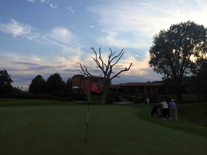 dusk_18_golf_club_le_fonti_bologna_italy