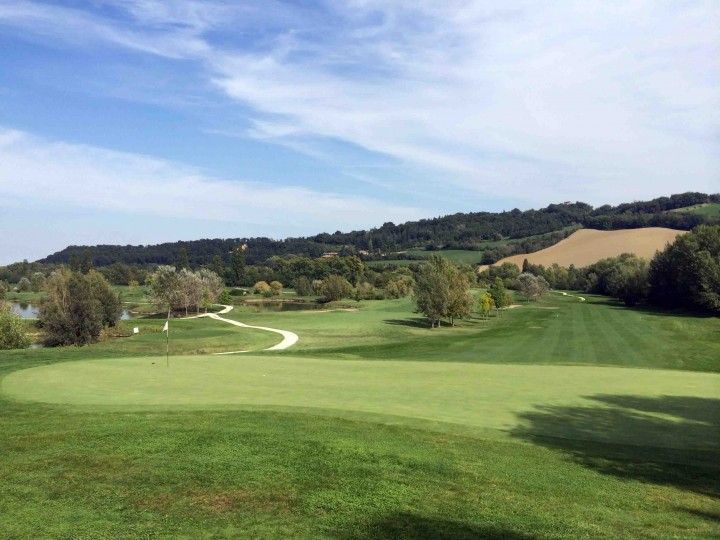 elevated_greens_golf_club_le_fonti_bologna_italy