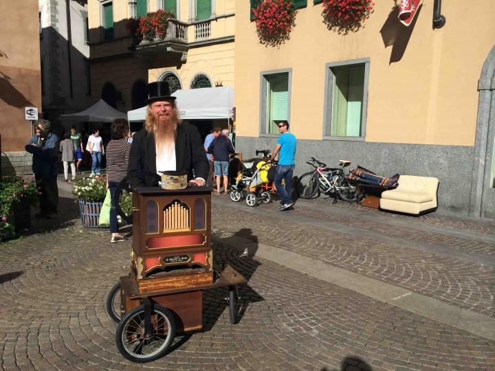friendly_musician_sagra_dei_crotti_chiavenna_italy