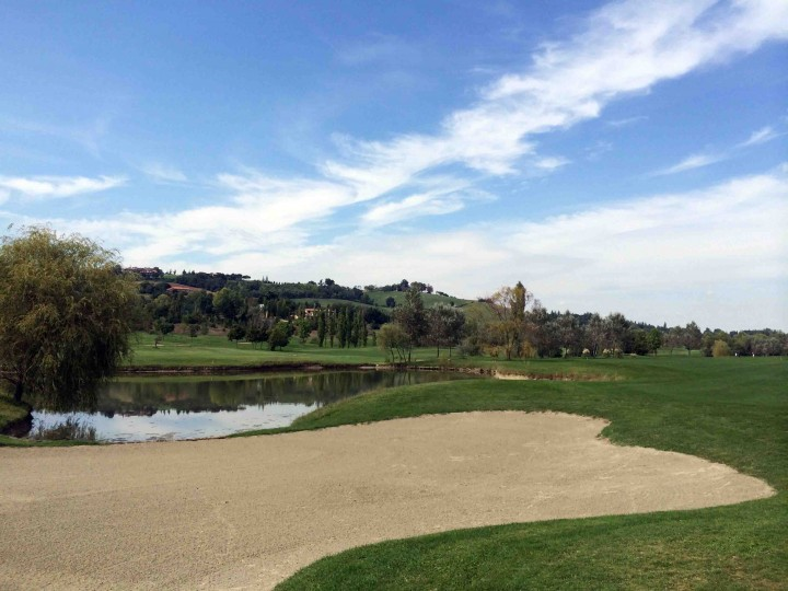 hazards_golf_club_le_fonti_bologna_italy
