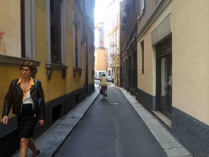 lanes_narrow_milan_italy