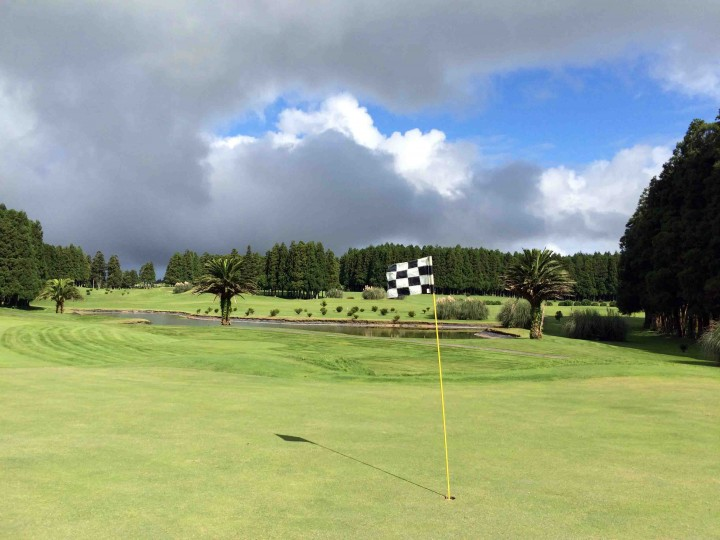lovely_furnas_golf_course
