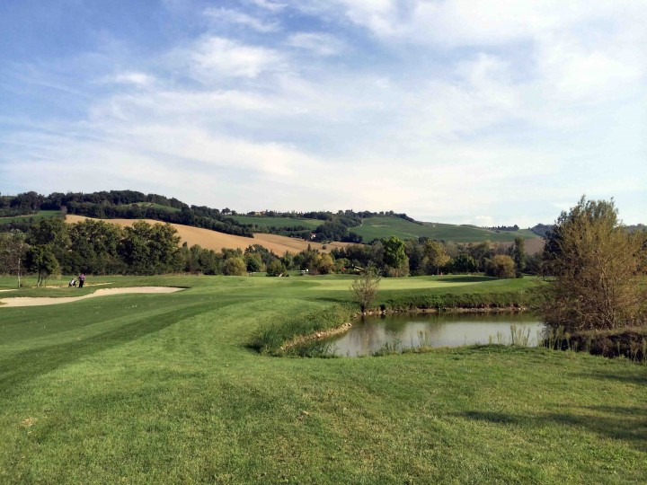 missed_fairway_golf_club_le_fonti_bologna_italy