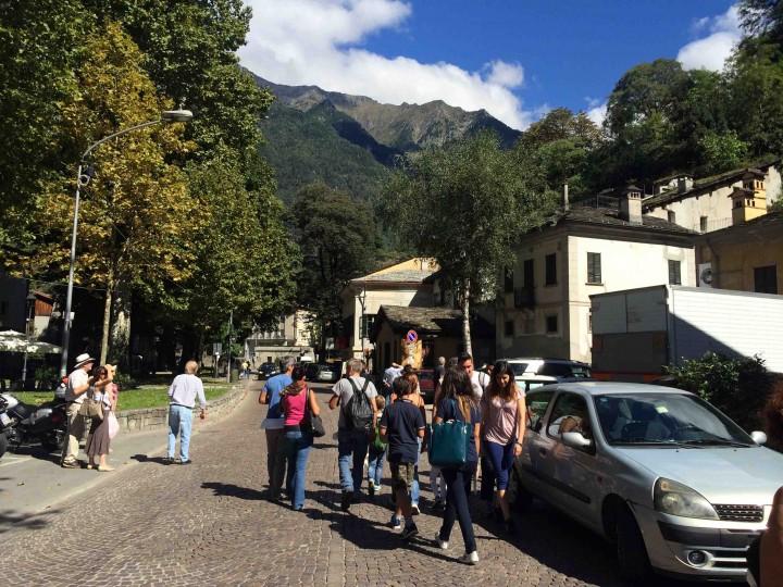 people_visiting_sagra_dei_crotti_chiavenna_italy