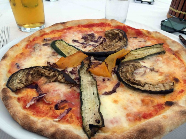 pizza_beer_lunch_mantua_italy