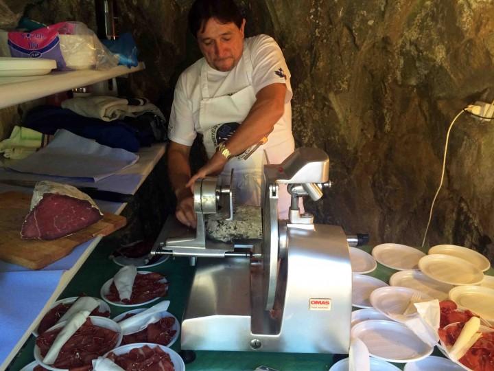 preparing_bresaola_sagra_dei_crotti_chiavenna_italy
