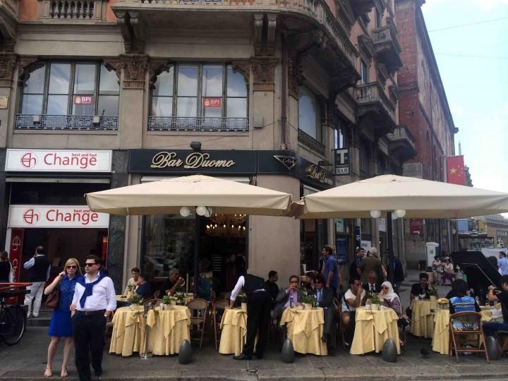 street_cafe_milan_italy