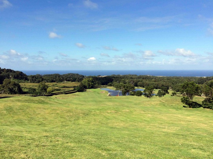 stunning_hole_batalha_golf_course_azores_view