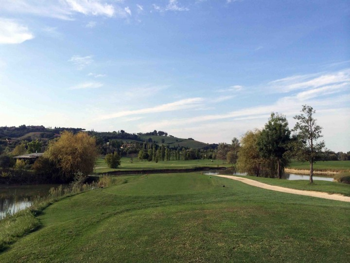 teebox_view_golf_club_le_fonti_bologna_italy