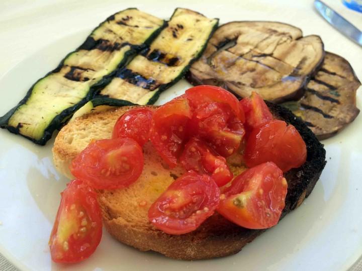 bruschetta_eggplant_gargano_italy